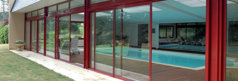 baie vitrée de couleur