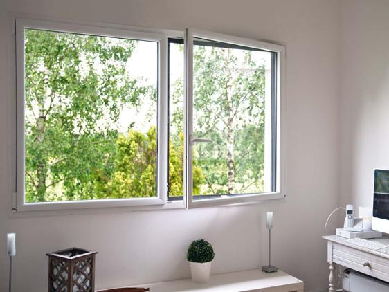 Grandes fenêtres aluminium pour un maximum de luminosité