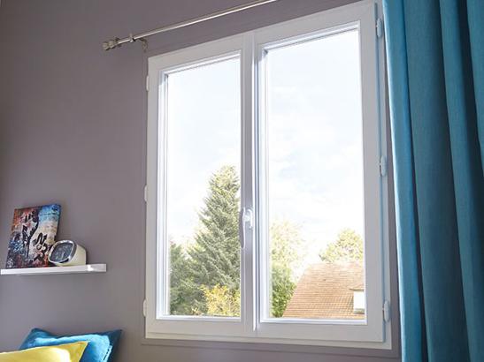 Fenêtre blanche en PVC
