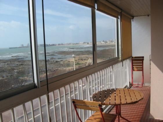 Fenêtre coulissante alu pour créer une loggia ou fermer un balcon