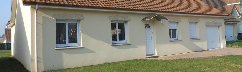 Des fenêtres PVC haut de gammes permettent de faire des économies de chauffage sur une maison