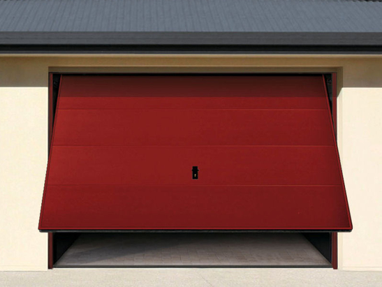 porte de garage basculante couleur rouge avec motorisation radio. Black Bedroom Furniture Sets. Home Design Ideas