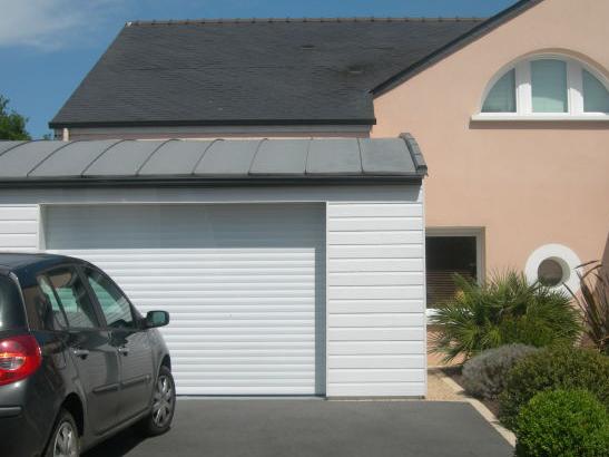 Porte de garage enroulable avec lames aluminium
