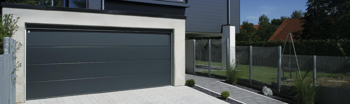 Porte de garage gris anthracite une couleur moderne for Porte de garage couleur bordeaux